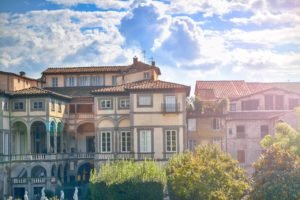 houses-village-italy-architecture