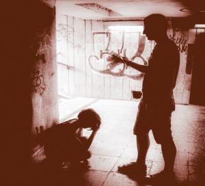zmones_tunelyje